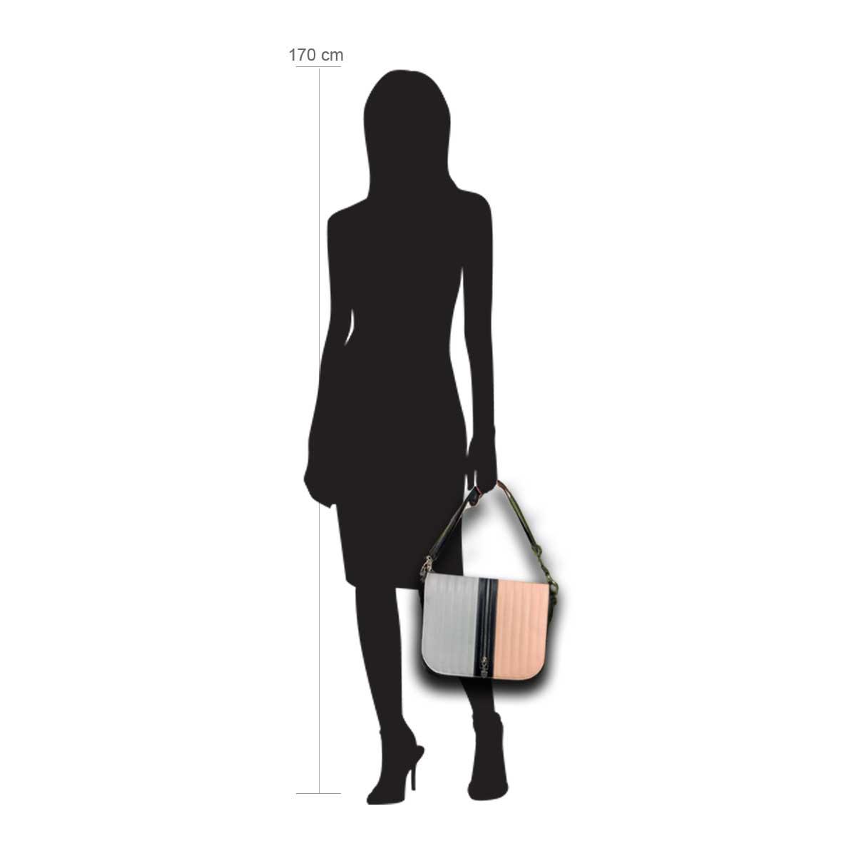 Modellpuppe 170 cm groß zeigt die Handtaschengröße an der Person Modell:Aignes