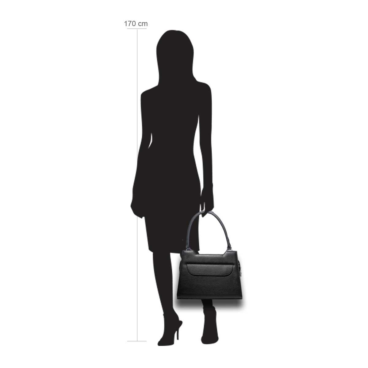 Puppe 170 cm groß zeigt die Taschengröße an . Modell: Lissabon schwarz