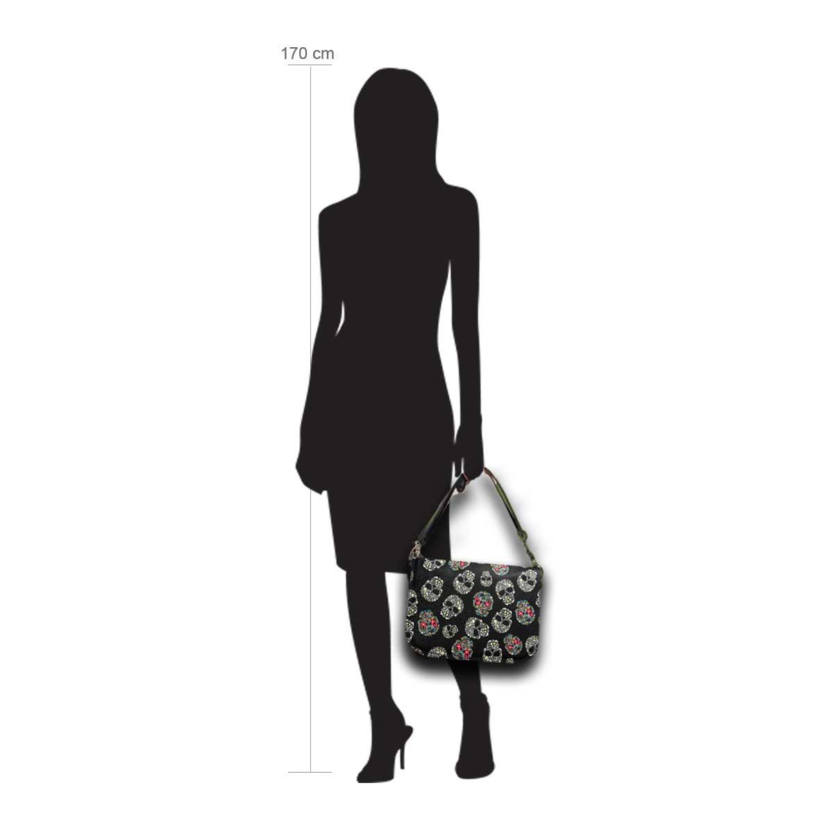 Modellpuppe 170 cm groß zeigt die Handtaschengröße an der Person Modell:Mexiko
