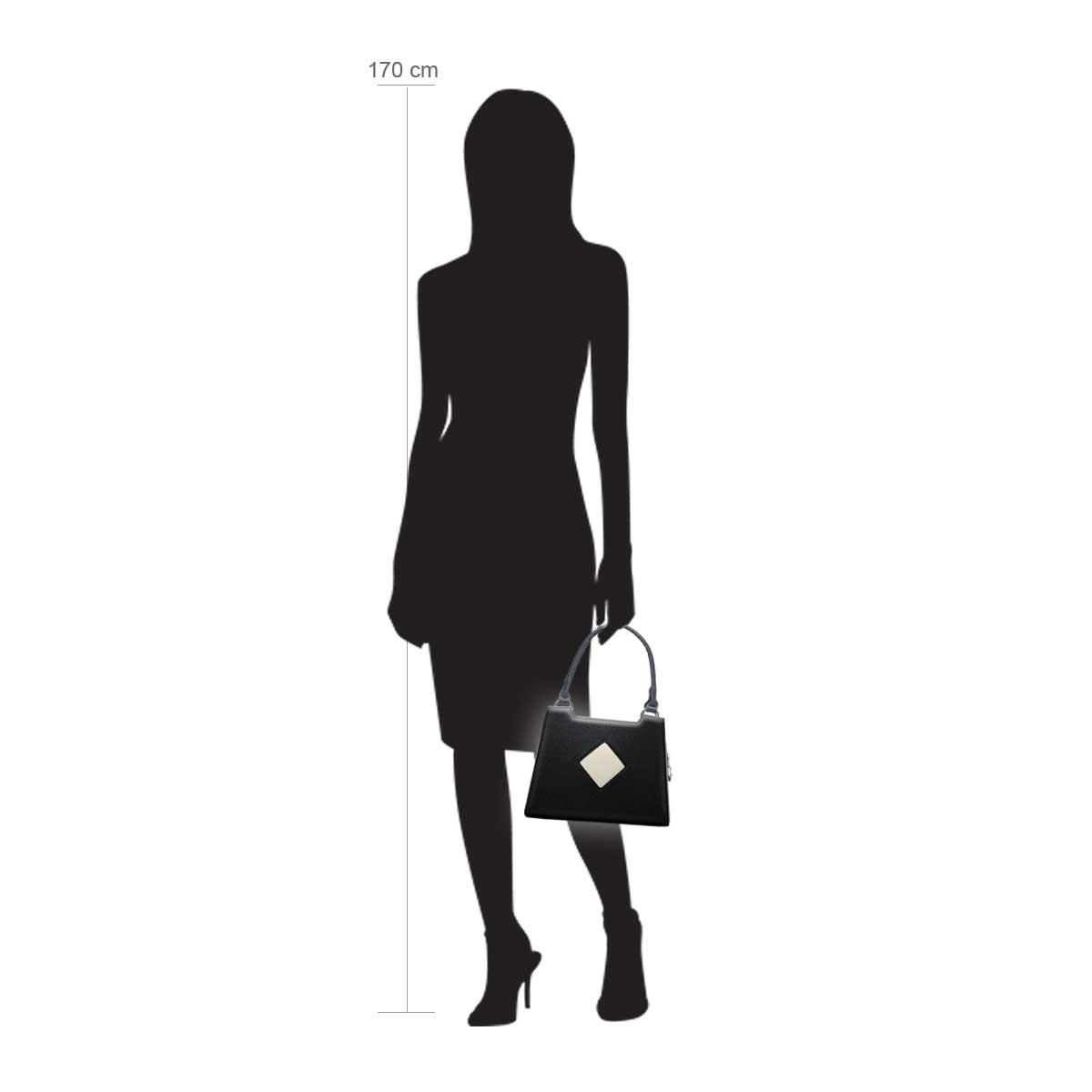 Modellpuppe 170 cm groß zeigt die Handtaschengröße an der Person Modell:Dublin schwarz Creme Weiß