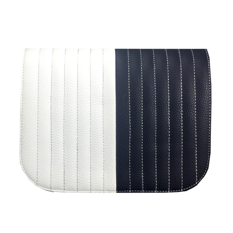 Design für die Handtasche zweifarbig. Die rechte Seite in Dunkelblau und die linke Seite in Weiss mit senkrechten Ziernähten.