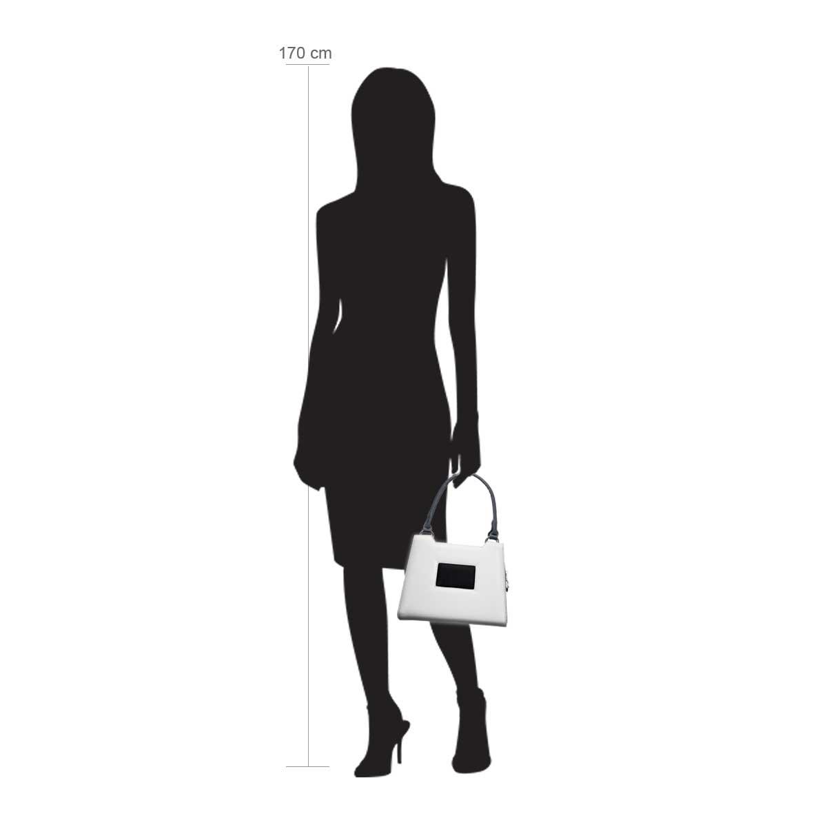 Modellpuppe 170 cm groß zeigt die Handtaschengröße an der Person Modell:Fairbanks
