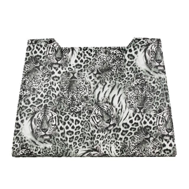 schwarz weiß Druck mit Leopardenmuster nin 3 D Effekt