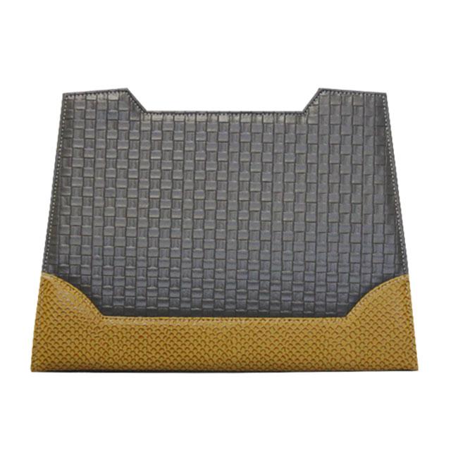 Design brüssel graues Karomuster mit ockerfarbenen Streifen an der Unterseite der Frontansicht