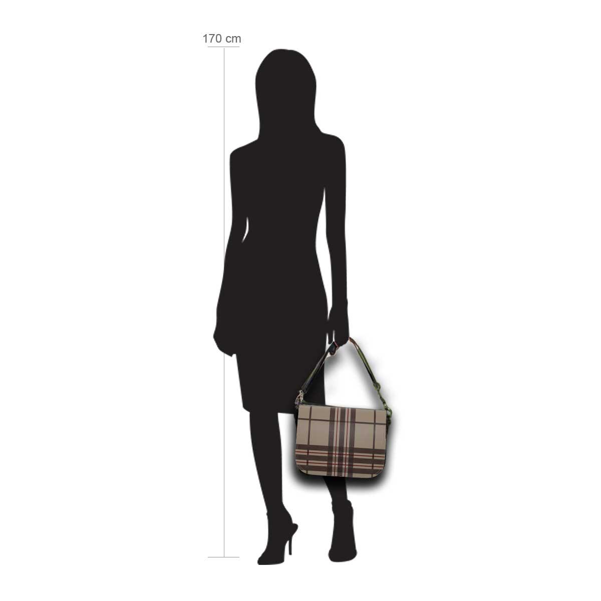 Modellpuppe 170 cm groß zeigt die Handtaschengröße an der Person Modell:Bristol