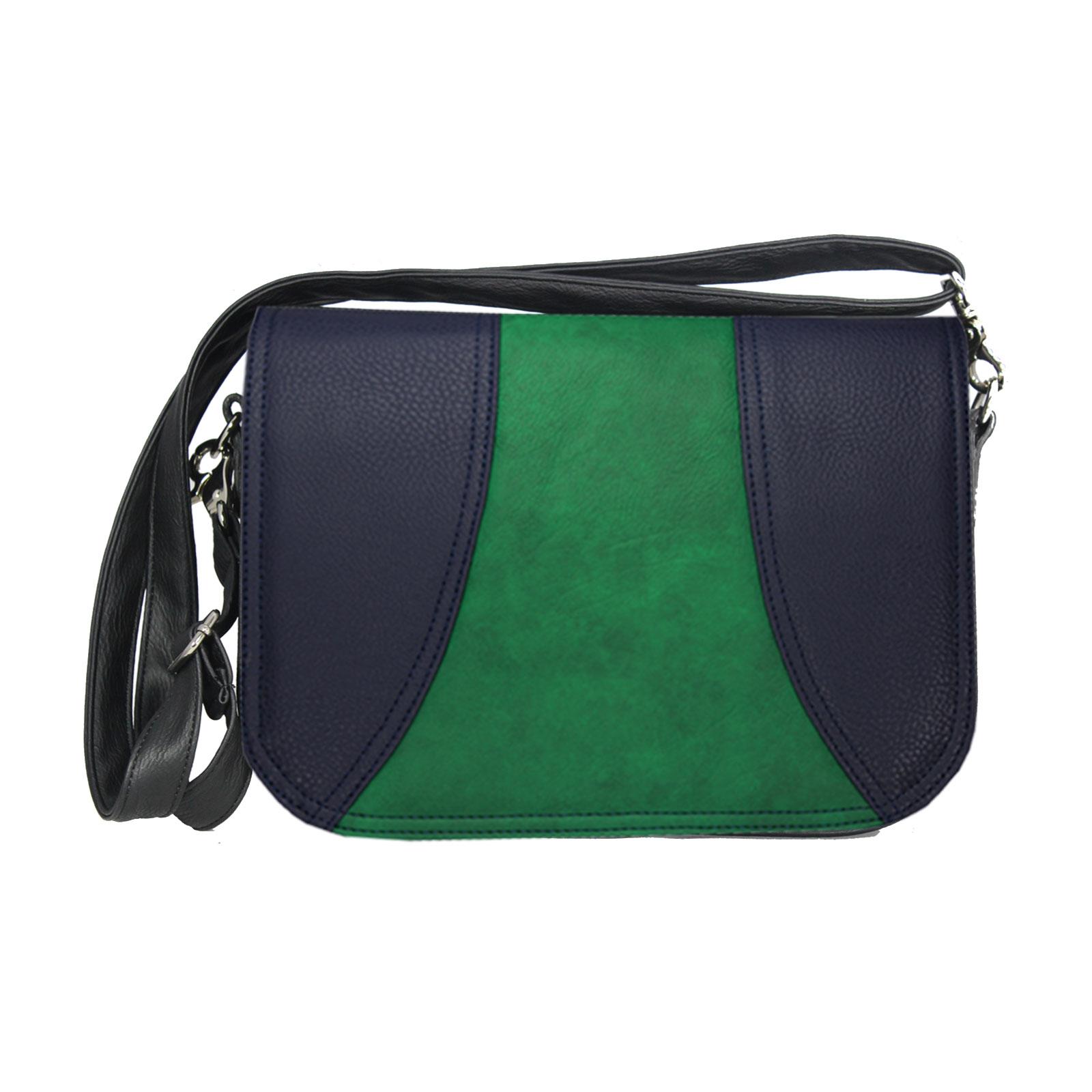Handtasche in dunkelblau mit grünen Feld in der Mitte